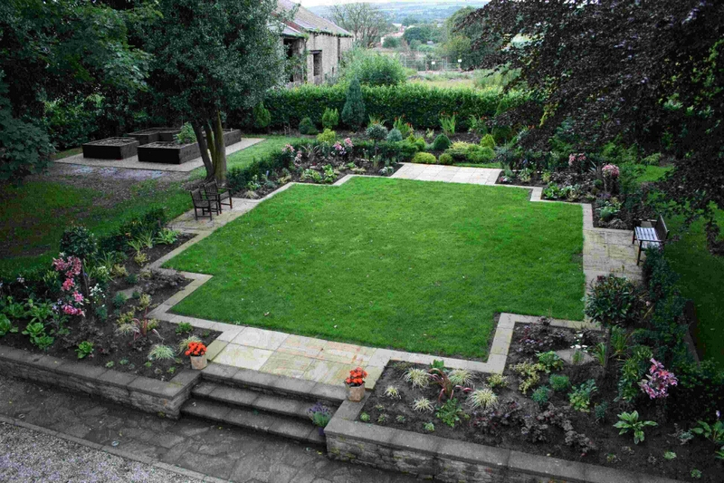 Garden design by qualified garden designers and landscape for Country garden designs landscaping